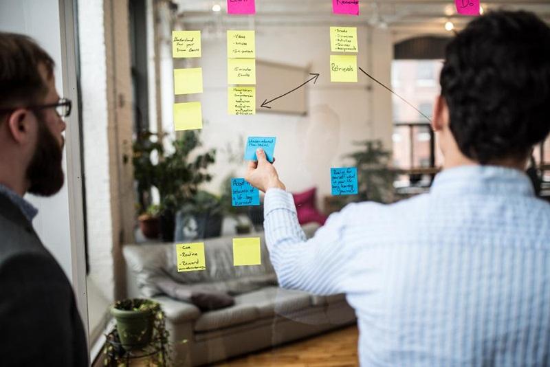 O excesso de tarefas e de informações exige que haja um bom processo de gestão e organização em vigência. O workflow é uma excelente metodologia para controlar esses processos.