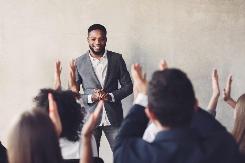 conheça as principais características de um bom líder